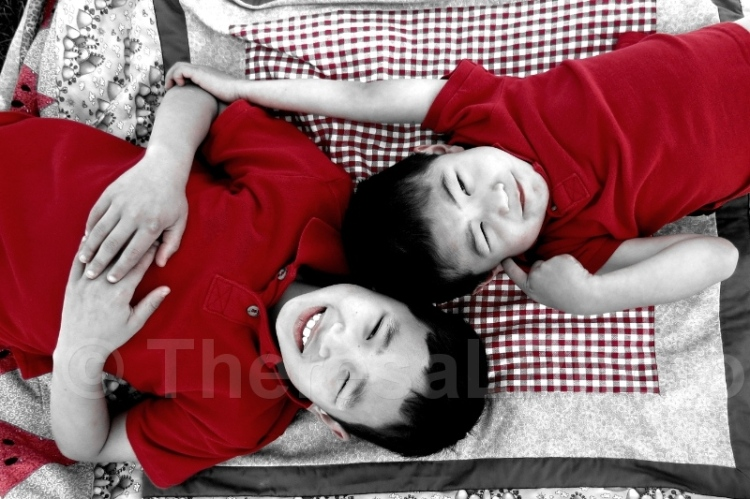 2014 Kevin & Eric on blanket BW REd B